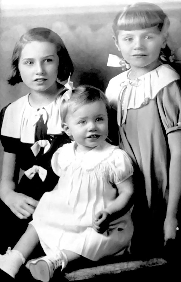 Nan (at right) with her sisters Muriel and Darleen